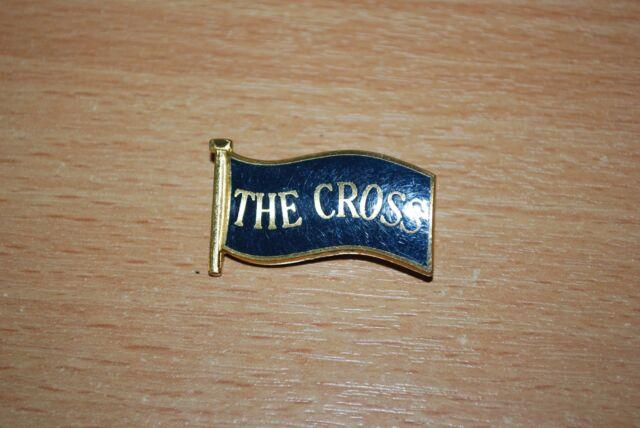 ROGER TAYLOR THE CROSS - VERY RARE ORIGINAL FAN CLUB BADGE queen freddie mercury