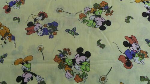 100/% coton Micky Mouse /& Donald Duck Fat Quarter 30x18ins maintenant réduite