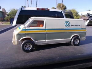 Dodge Work Van >> Details About Vintage Played With Ertl Dodge Cargo Work Van South Central Bell Telephone 2