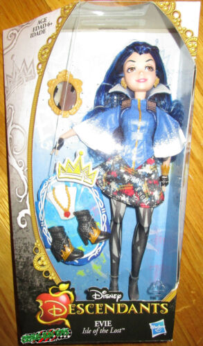 DISNEY DESCENDANTS EVIE DOLL SIGNATURE OUTFIT RETIRED ISLE OF THE LOST