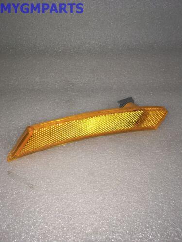 SATURN SKY PASSENGER SIDE FRONT SIDE MARKER LIGHT LAMP NEW OEM GM   25774950