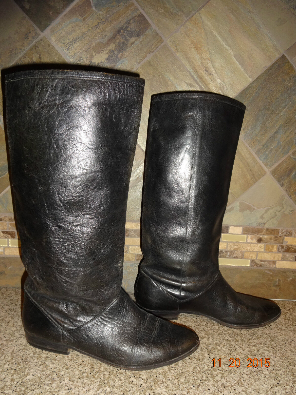 Vintage Womens UNISA Approx Sz 7-7.5 Black Leather Fashion Boots Flats