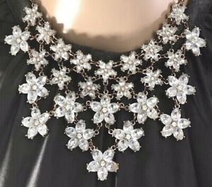 Very-Sweet-Contemporary-Flower-Choker-Bib-Necklace-Vintage-Look-Rhinestone-1