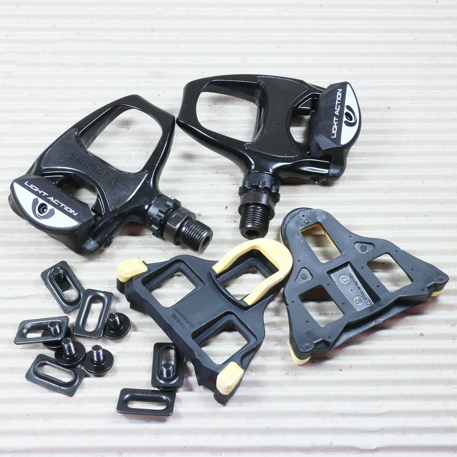 Shimano SPD-SL Pedal Pedal Pedal Rennpedal PD-R540 LA einseitig schwarz 9 16  ohne Reflektor 062660
