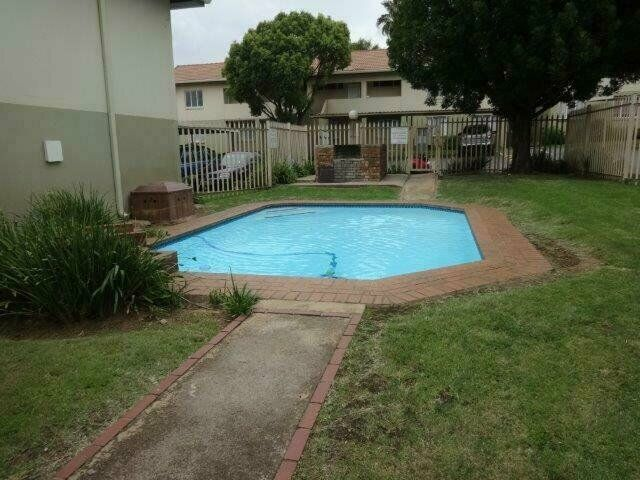 2 bed unit available immediately R5450.00pm
