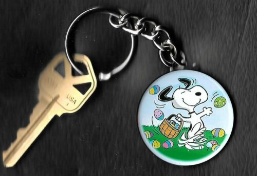 SNOOPY Easter Beagle of Peanuts Charlie Brown by Schulz Key Chain KEYCHAIN