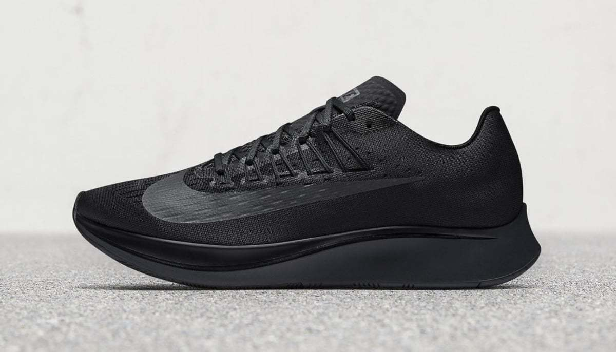Mens Nike ZOOM FLY Running shoes -Black -Retail  150 -880848 003 -SIZE 15 NEW