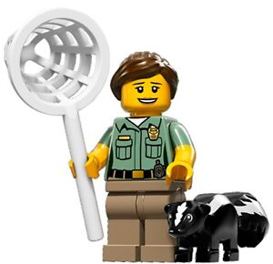 LEGO-Minifigures-Series-15-Animal-Ranger-with-skunk-and-net-suit-city-zoo-set