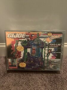AFA-85-GI-JOE-Toxo-Lab-Cobra-Rare-Sealed-Playset-1992-ARAH-Graded-Case-has-Crack
