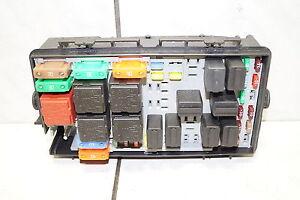 Opel-Corsa-D-Sicherungskasten-Relais-Motorraum-Kasten-Sicherung-resetet-13217394