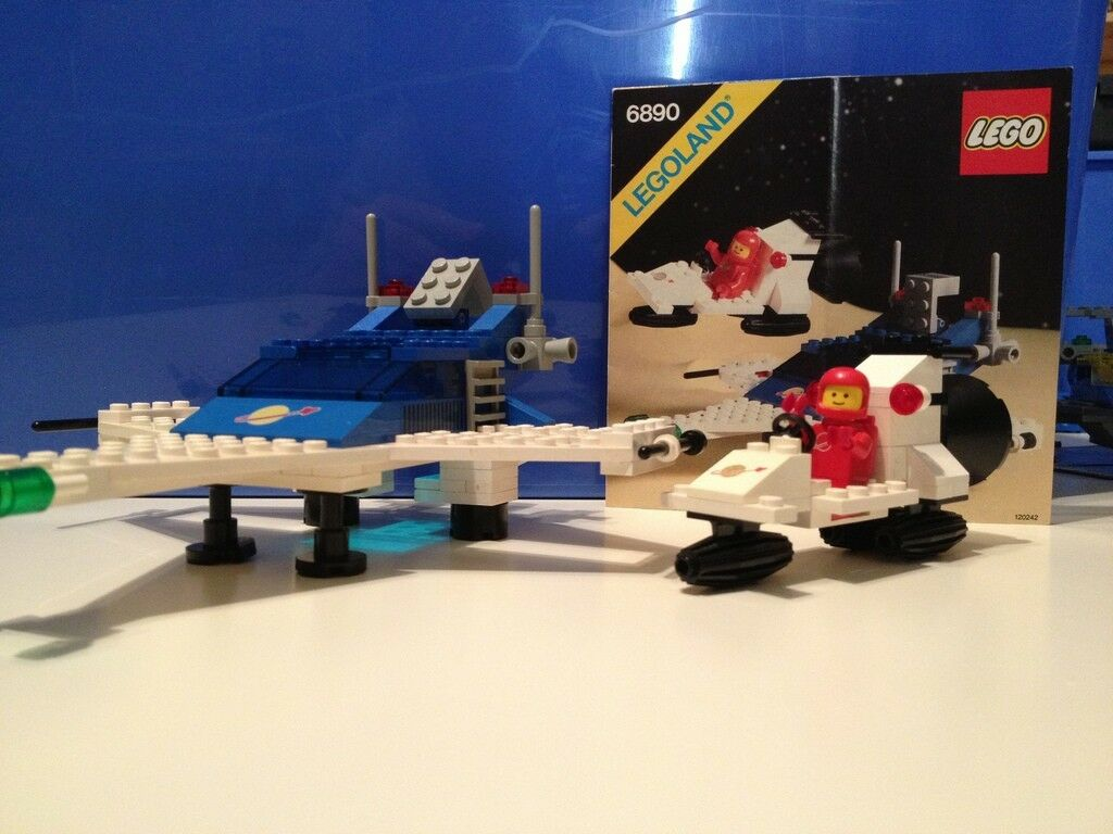 Boxed Space Lego Vintage set 6890 Cosmic Cruiser 100% Complete, Instructions