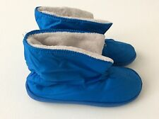Avon Women Shoe Size 5-6 Cozzy slipper bootie blue -Equals a youth size 3-4