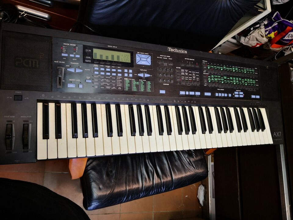 Synthesizer, Technics AX7