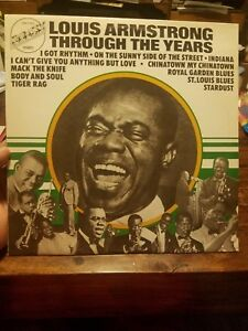 LOUIS-ARMSTRONG-LP-THROUGH-THE-YEARS-HOLLAND-1974-JAZZ-VINYL-COMPILATION-EX