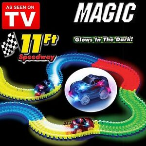 MAGIC-TRACKS-Glow-in-Dark-LED-LIGHT-UP-RACE-CAR-Bend-Flex-Amazing-Racetrack-AUS