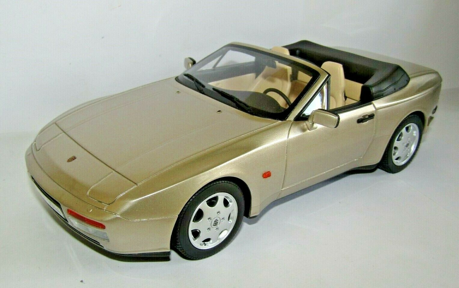 GT SPIRIT PORSCHE 944 S2 CABRIOLET gold 1 18 SCALE GT002CS 1 OF 1,000