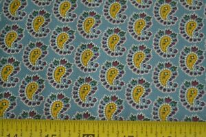 By-1-2-Yd-Paisley-on-Blue-Quilting-Cotton-034-Crimson-Bouquet-034-Andover-Morton-B09