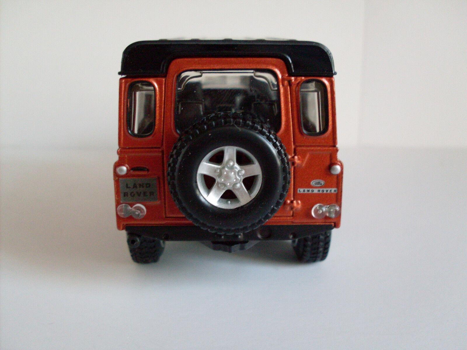 Bburago Street Fire 1:32 Neu OVP Land Rover Defender 110 kupfer metallic