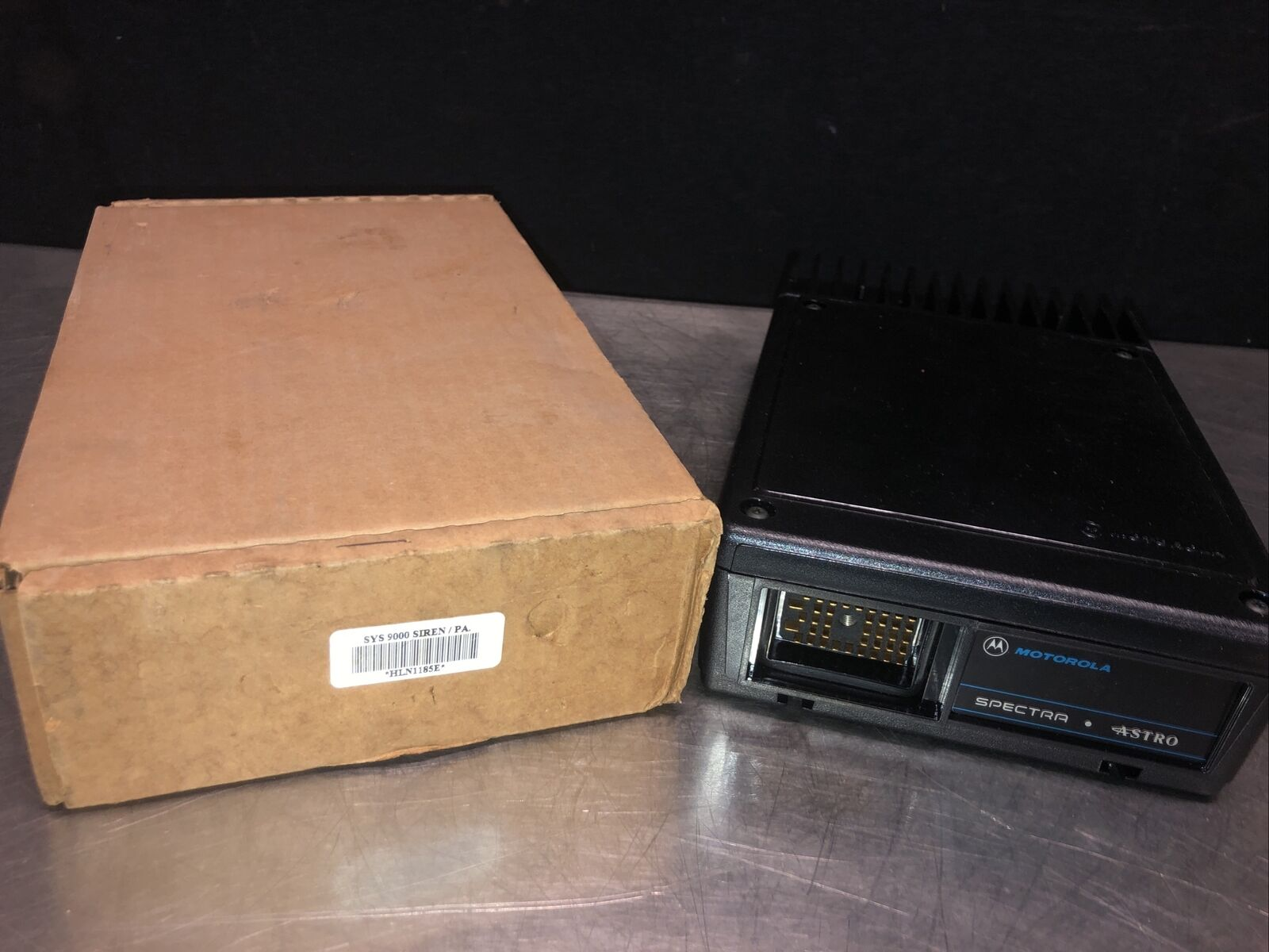 NOS Motorola Spectra Astro Systems 9000 HLN1185E Radio Siren/PA. Buy it now for 299.99