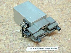 Fibro-parallel-gripper-hydraulic-52-85-2-501