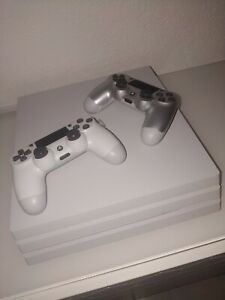 PS4 Pro 1To Blanche + 2 manettes Etat Neuf (Sous garantie Mars 2021)