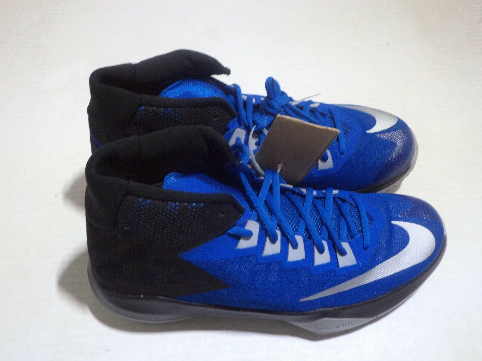 Nike Men Zoom Devosion Athletic Basketball Shoe Size 10 Color Blue,White & Black