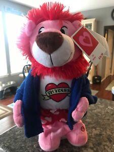 Lion-Charlie-Puth-s-Marvin-Gaye-Singing-Lion-Flasher