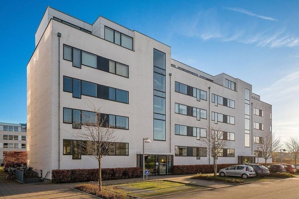 2760 vær. 3 lejlighed, m2 93, Søndergårds Allé