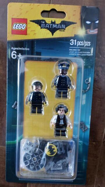 LEGO 853651 Batman Movie Accessory Set Bat Signal 3 Minifigs GCPD Chief O'Hara