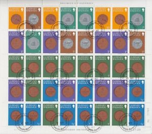 Guernsey-1979-2x-Beautiful-Arch-Postage-Stamps-Coins-Postmarked-Used