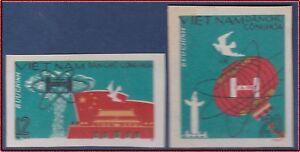 VIETNAM-du-NORD-N-557-558-Non-denteles-Bombe-H-cf-scans-1967-Cote-30-Imperf