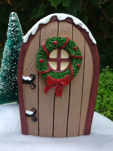 Miniature Dollhouse FAIRY GARDEN ~ Mini CHRISTMAS Forest BROWN Door with Wreath