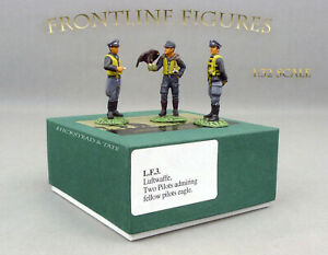 FRONTLINE-FIGURES-LF3-2-Pilots-Admiring-Fellow-with-Eagle-NEUF-NEW