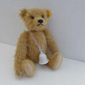 Amoureux Morceau - Blonde Teddy De Steiff Avec Bouton Et Cloche En Porcelaine