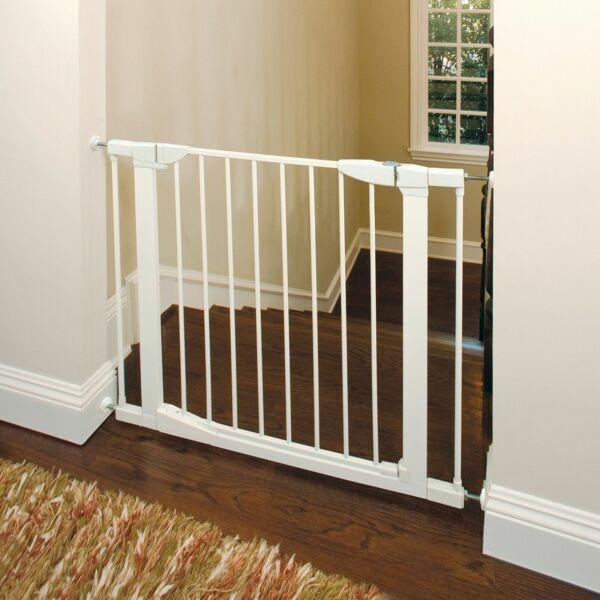 Munchkin 46760 Auto Close Metal Baby Gate White For Sale Online Ebay