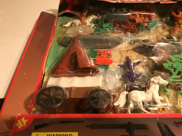 Redbox 100 pieces Wild West Playset Plastic Cowboys & Indians Huge Lot Not marx