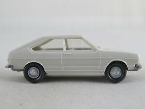 Wiking-48-3D-VW-Passat-Schraegheck-1973-1975-in-grauweiss-1-87-H0-guter-Zustand