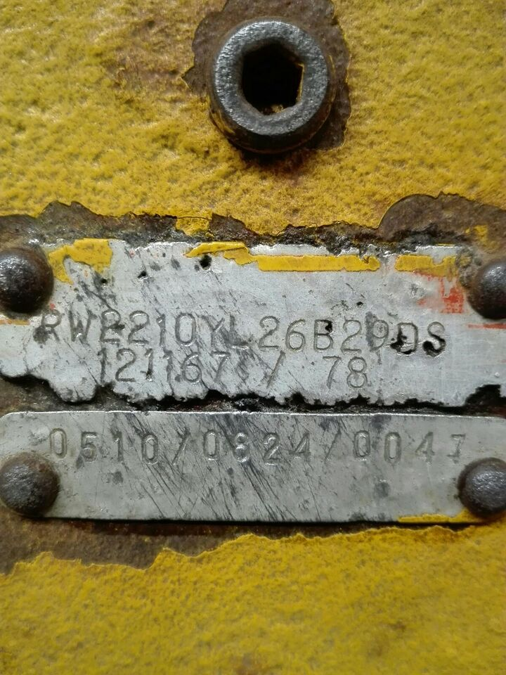 Hydraulik pumpe og tank