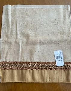 Avanti Braided Medallion Washcloth - Gold