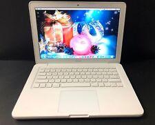 Apple MacBook 13.3in. Laptop - MC207LLA (Late, 2009)