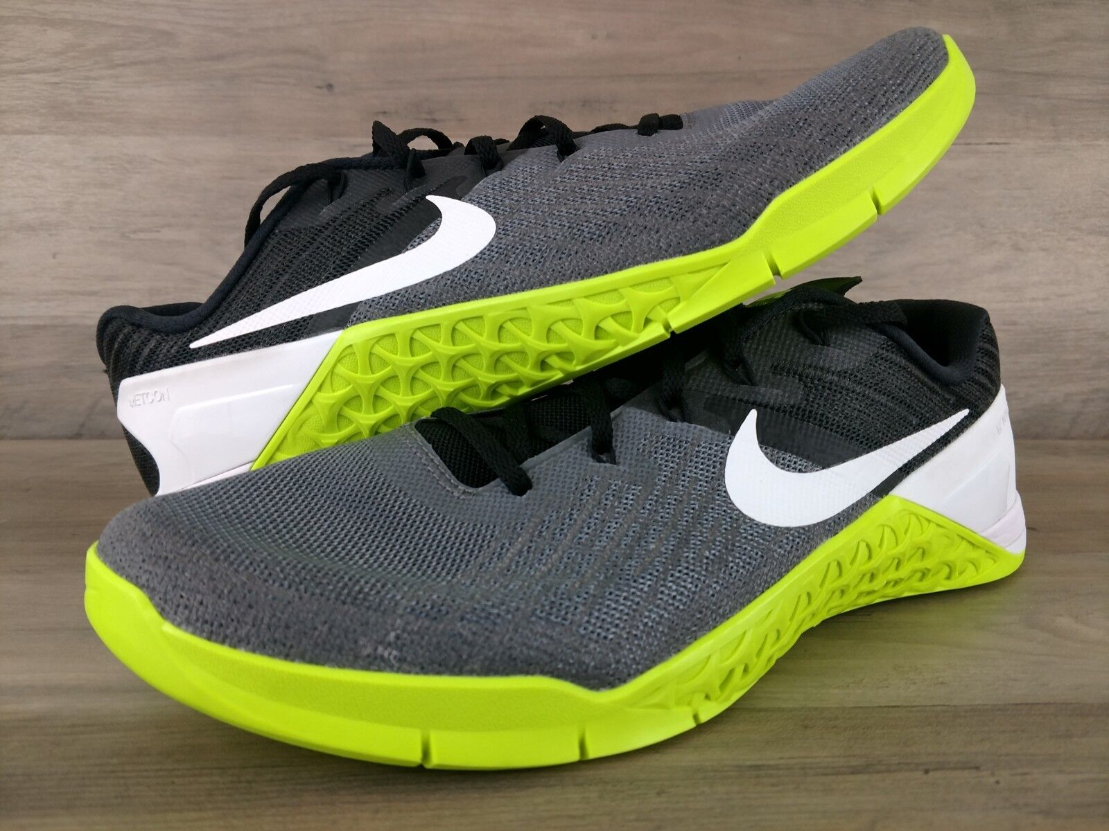 Nike Metcon 3 Training shoes Men's Size 11 Grey Black Volt White 852928-001