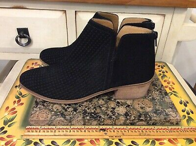 SUSINA Blakely Suede Bootie Ankle Boots