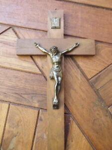 KRUZIFIX-JESUS-AM-HOLZ-KREUZ-HOLZ-MESSING-KIRCHE-ANTIK-RARITAT