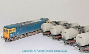 Heljan 1095, OO Gauge, Train Pack Class 33/0 Diesel loco + 4 ESSO tanker wagon