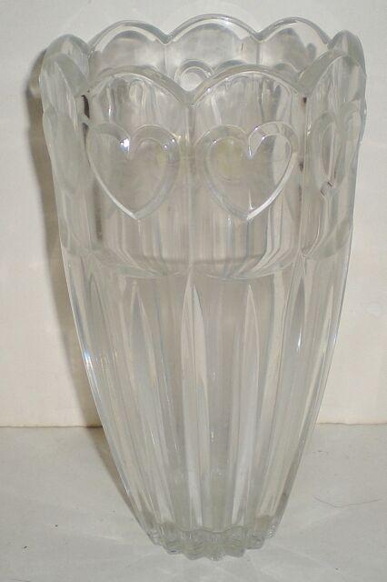 Crystal Fifth Avenue Mikasa Celebrations Sweet Heart Vase 24 Lead