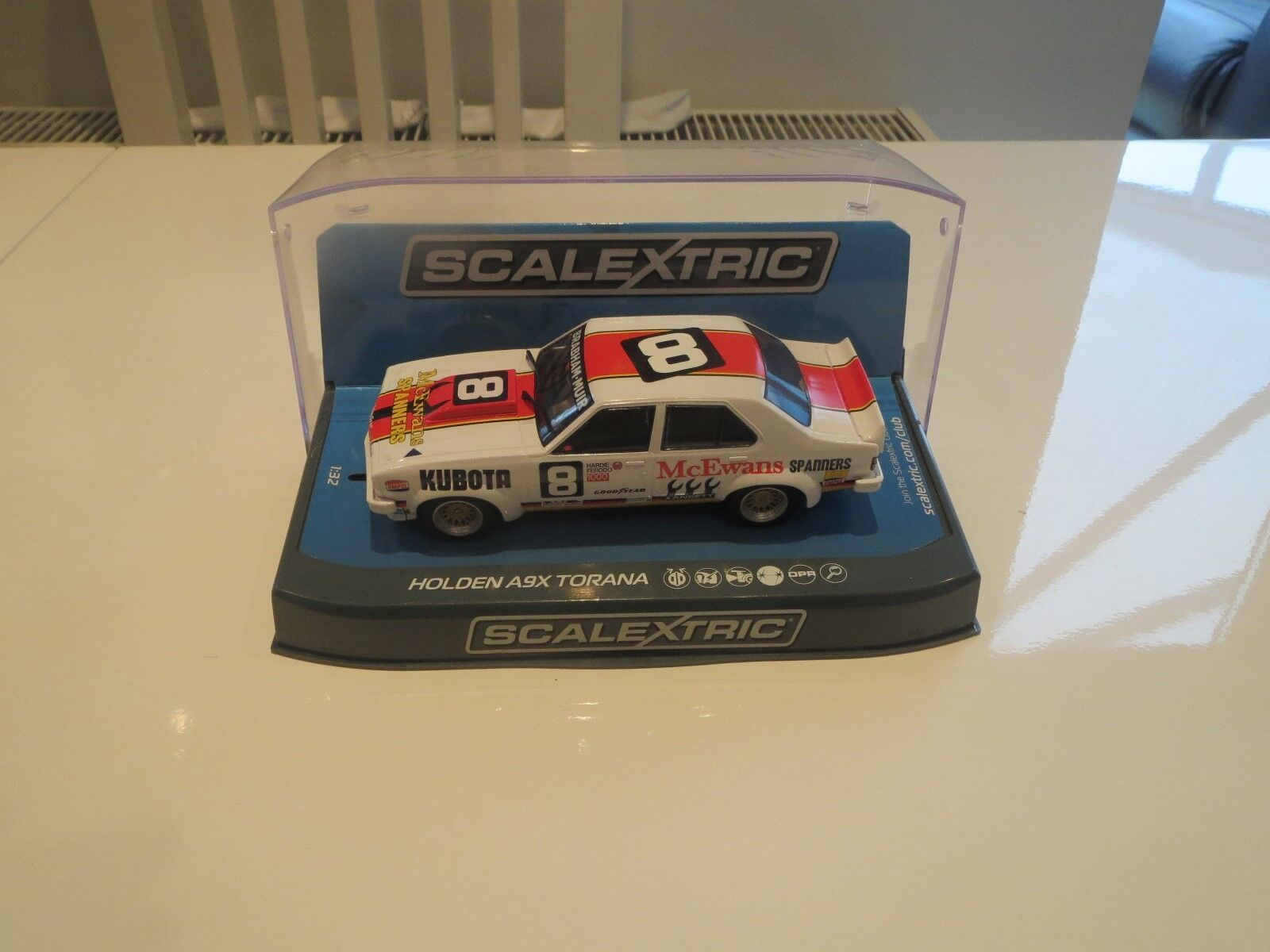 SCALEXTRIC C3758 HOLDEN TORANA STUNNING LOOKING LIVERY  ONE OF THE BEST BNIB