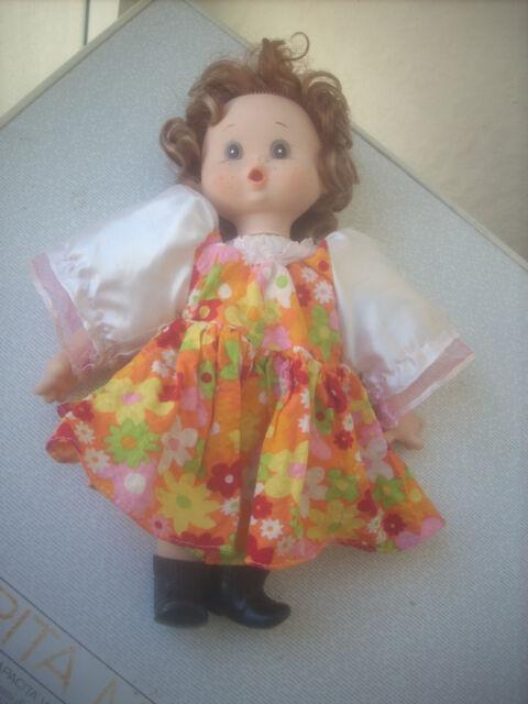 bambola senza marchio in pezza ..