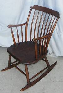Antique-Primitive-Windsor-style-Youth-Rocking-Chair