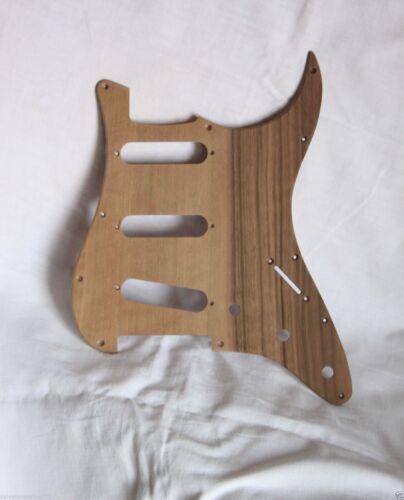 spedizione veloce Fender Strato  battipenna Noce