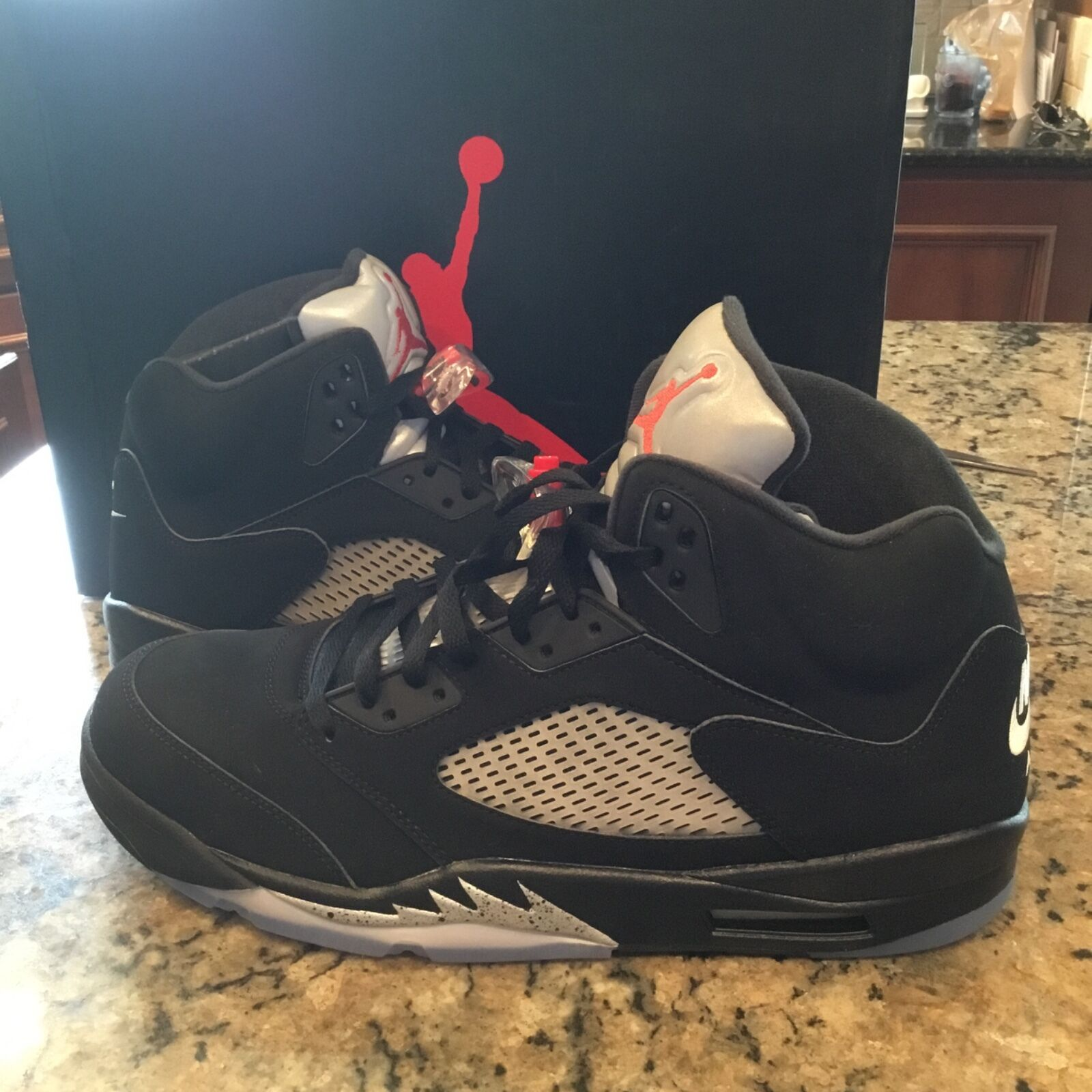 Nike Air Jordan 5 Retro OG Black and Metallic  845035 003 size 14 US
